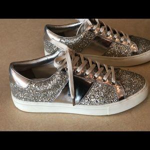 Tory Burch Carter Glitter lace up sneaker, size 9